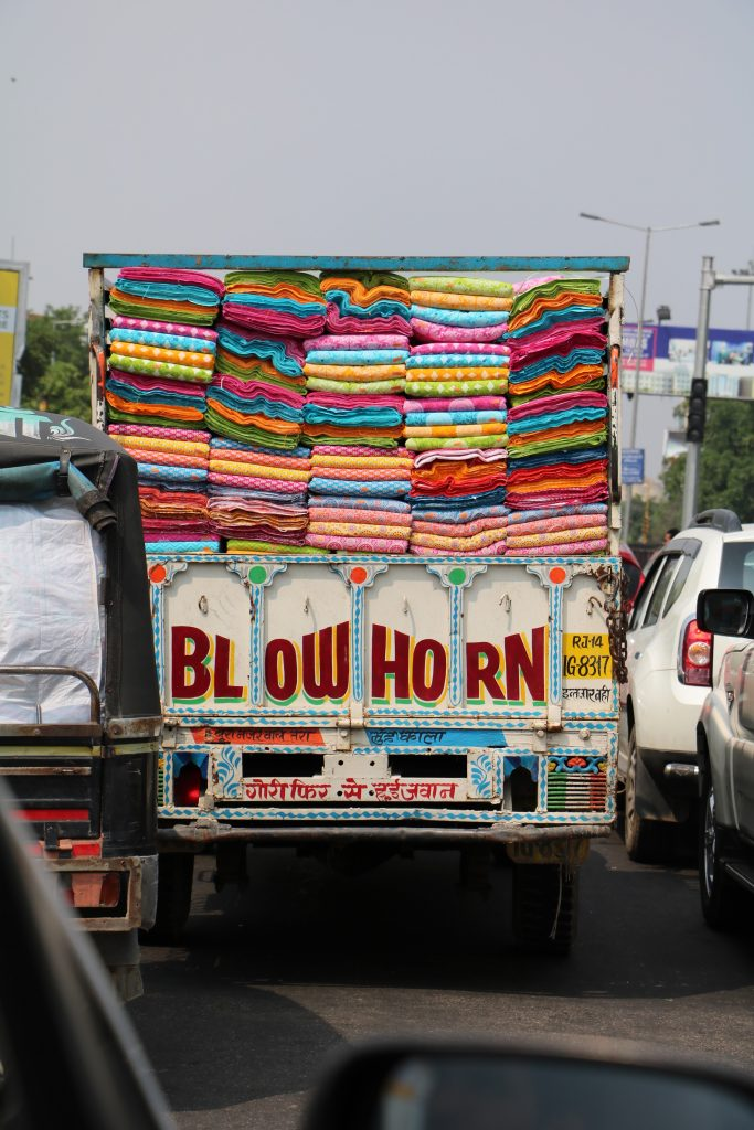India traffic - blow horn